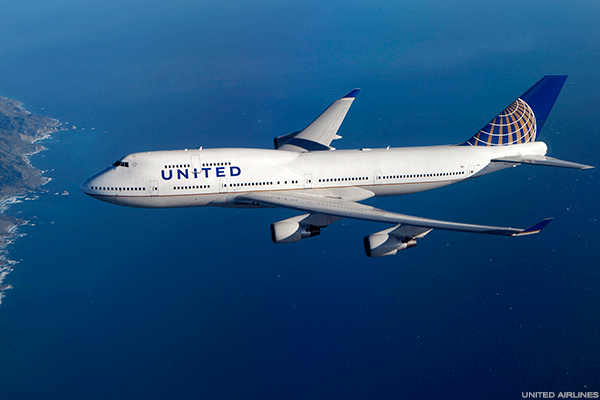 United Airlines Has Tough Act to Follow After Delta's Unit Revenue Guidance