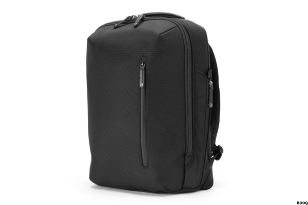 006ada999 ... baggage roominess select luggage that allows them to pack a little  extra and then scrunch and cram that bag into a crowded car truck or under  their seat ...