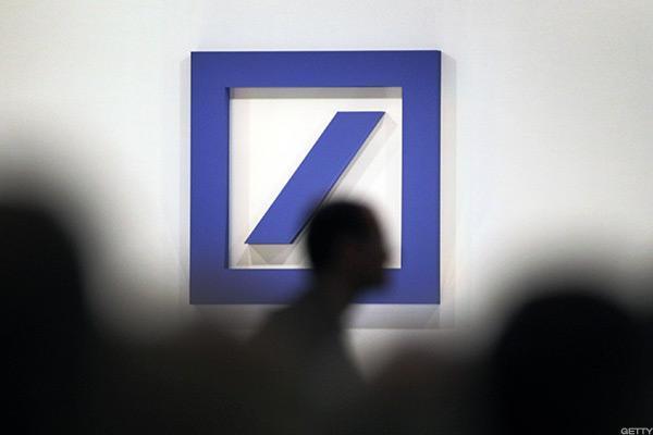 Deutsche Bank Shares Hit 3-Month Low As $8.6 Billion Rights Issue Launches