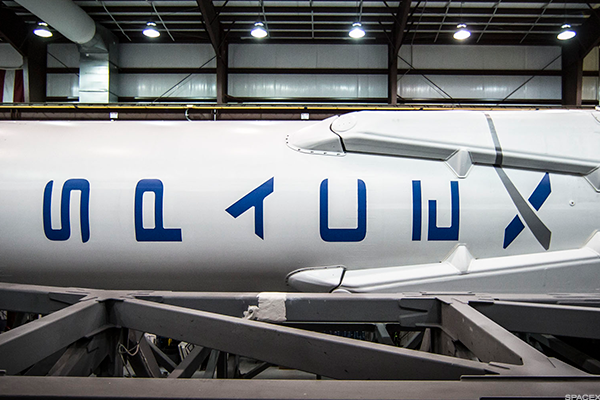 Here's the Top Secret Spaceplane That Elon Musk's SpaceX Will Launch for The U.S.