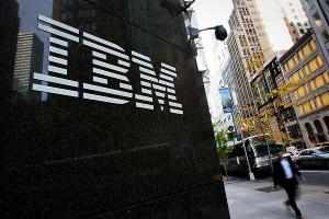 IBM Shares Fall on Mixed Earnings Report