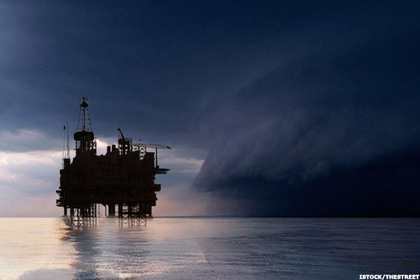 Storm Clouds Threaten Offshore Driller Atwood, So Avoid the Stock