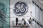 Dow Snaps Five-Day Streak of Records as Analyst Beatdown Hits GE