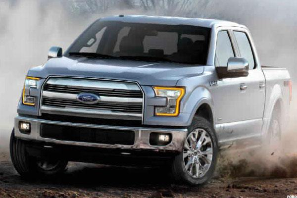 Jim Cramer Sees Ford, GM Continuing to Drive Higher