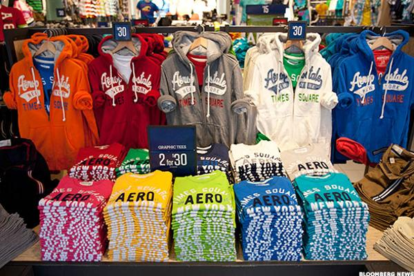 Aéropostale to Aggressively Cut Costs, Headcount