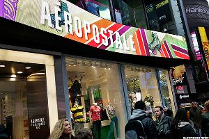 Aeropostale CEO Claims Largest Investor Wanted It to Fail