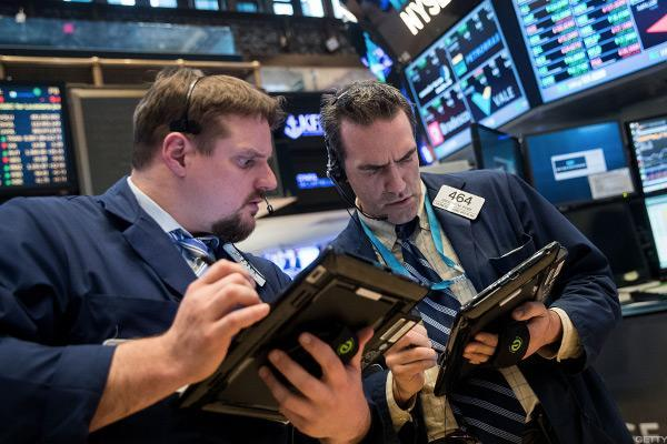 Stocks Hold Lower as Retail Sales, CPI Support June Rate Hike