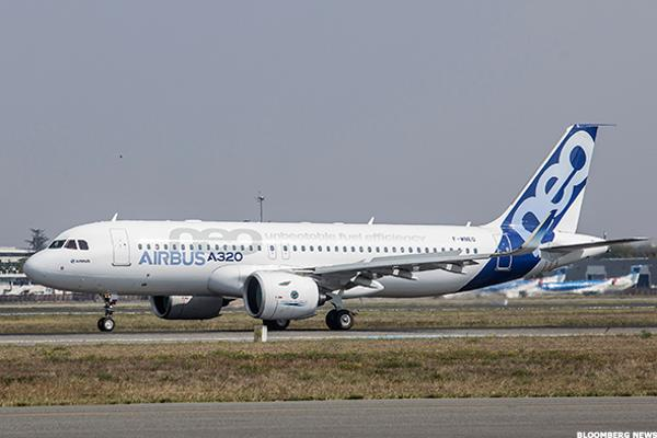 Airbus's Q1 Earnings Dive 50% on Discounting, Rising Costs and Delivery Problems