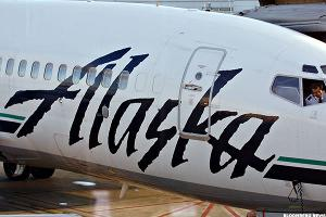Alaska Air Shares Gain, Unlike Shares in Every Other Airline