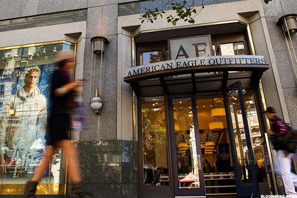 American Eagle (AEO) Stock Drops Despite Q2 Beat