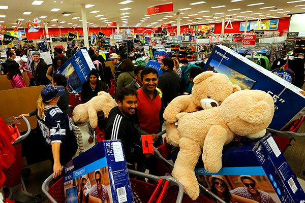 What's Buzzing on Social Media About Black Friday