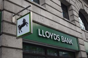 Lloyds Banking to Stay in Sideways Trading Range