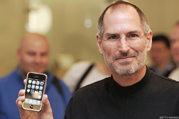 The Steve Jobs Era at Apple Is Over: Former Exec