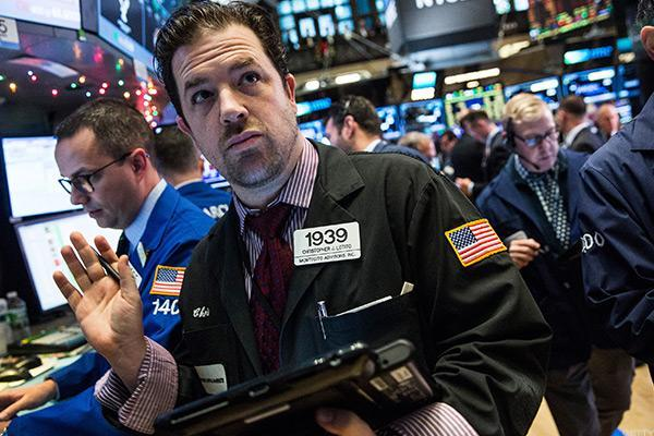 Stocks Higher as Wall Street Focuses on Earnings and Mixed Economic Data