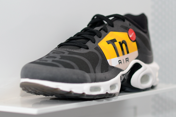 Air Max Plus Big Logo