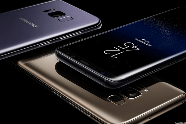 The Galaxy S8 Reviews Are In and They're Good, But Its Camera Leaves Opening for Apple and Google