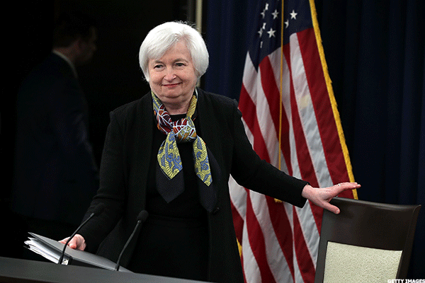 Yellen Will Raise Rates and Won't Quit, but Sounds Skeptical on Fiscal Stimulus
