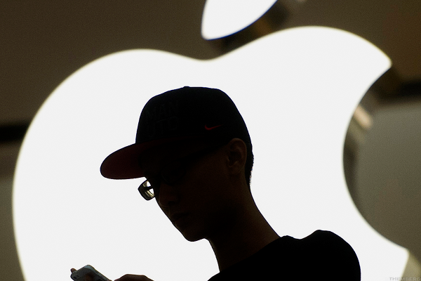 Apple Opens Up Data Troves for Users: LIVE MARKETS BLOG