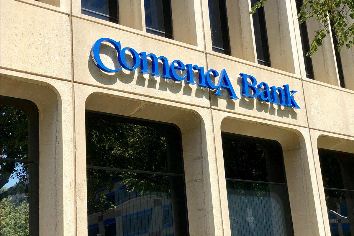 Comerica Beats Third-Quarter Analysts' Expectations