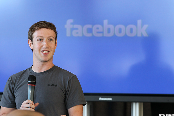 Facebook's Zuckerberg Makes Big Augmented Reality Announcement at Developers Conference