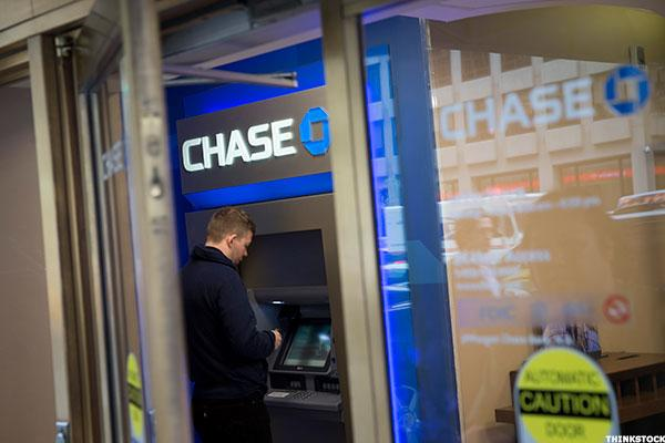 Chase (JPM) Hires Amazon (AMZN) Customer-Service Exec as Digital's