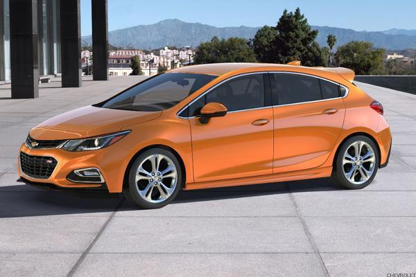 GM Beefs Up Chevrolet Cruze With Hatchback and Diesel Models