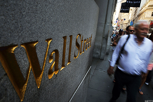 Stocks Go Green as Wall Street Processes Slower Jobs Growth