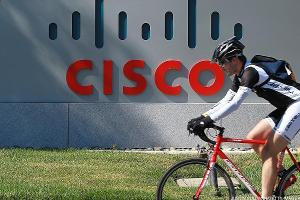 Cisco's Soft Guidance Comes Amid Macro Pressures and IT Spending Shifts