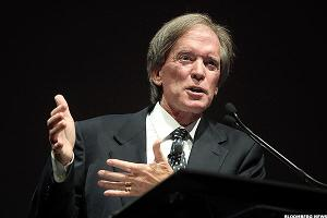 Bill Gross Says Fed Risks a 'Black Swan' by Doubling Down on Rates