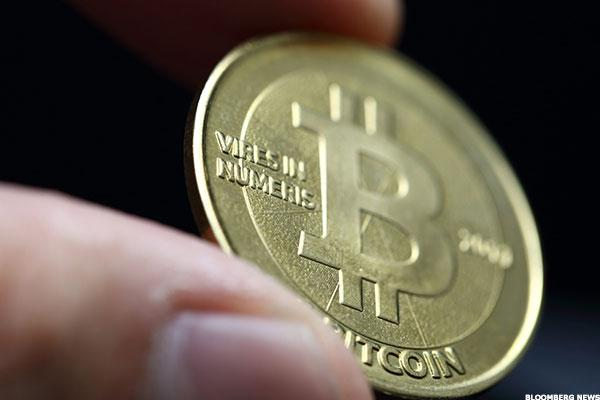 Bitcoin 'Here to Stay,' But Banks Could Disappear, Says FinTech Expert