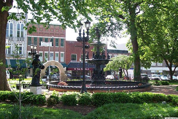 10 Best College Towns To Live In Even If You Re Not A