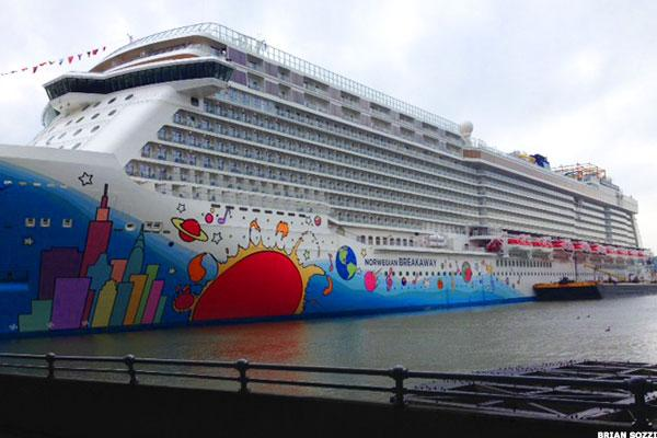 Norwegian Cruise Line (NCLH) Stock Advances on Anticipation of Earnings Growth