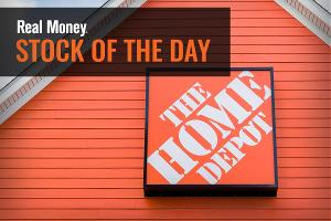 Home Depot Heads Back Towards Highs Ahead of Earnings