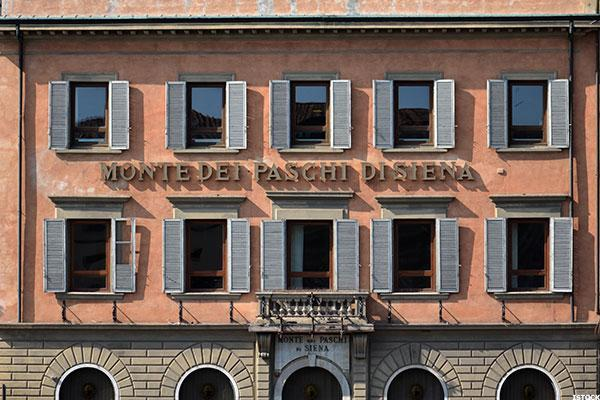 Monte dei Paschi Shares Rise 8% on Hopes of Rescue