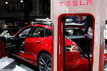 Tesla Slumps After Mary McCormack Tweets Husband's Flaming Model S