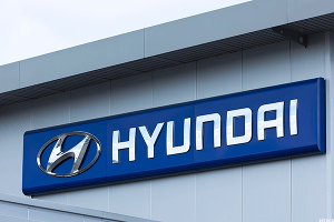 Top Exec at Hyundai, Behind in Driverless Tech, Hints at Talks With Google