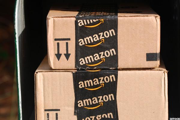 Here's Why Consumers Are Flocking to Amazon for Apparel Purchases