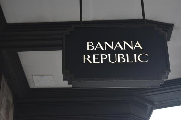 Gap Names Mark Breitbard as Banana Republic Chief