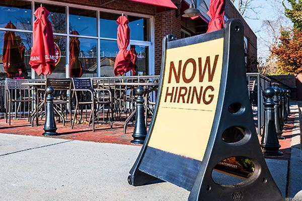 Unemployment Rate Hits 10-Year Low With Blowout Month for Payrolls