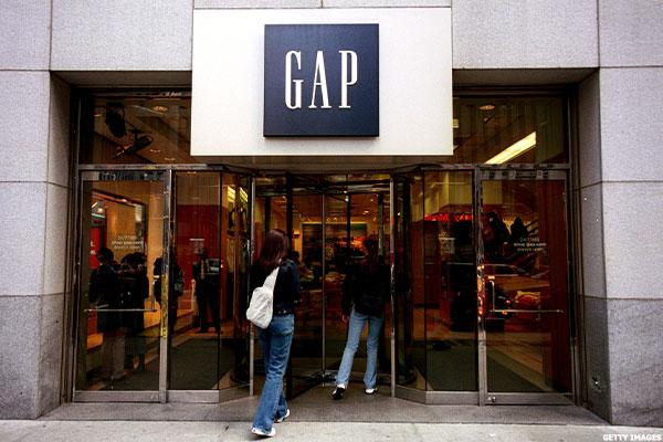Wall Street Hit by Retail Disappointments From Gap, Abercrombie & Fitch