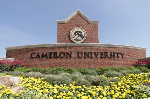 أسهل الجامعات التي يمكنك الحصول على قبول منها في امريكا - كاميرون