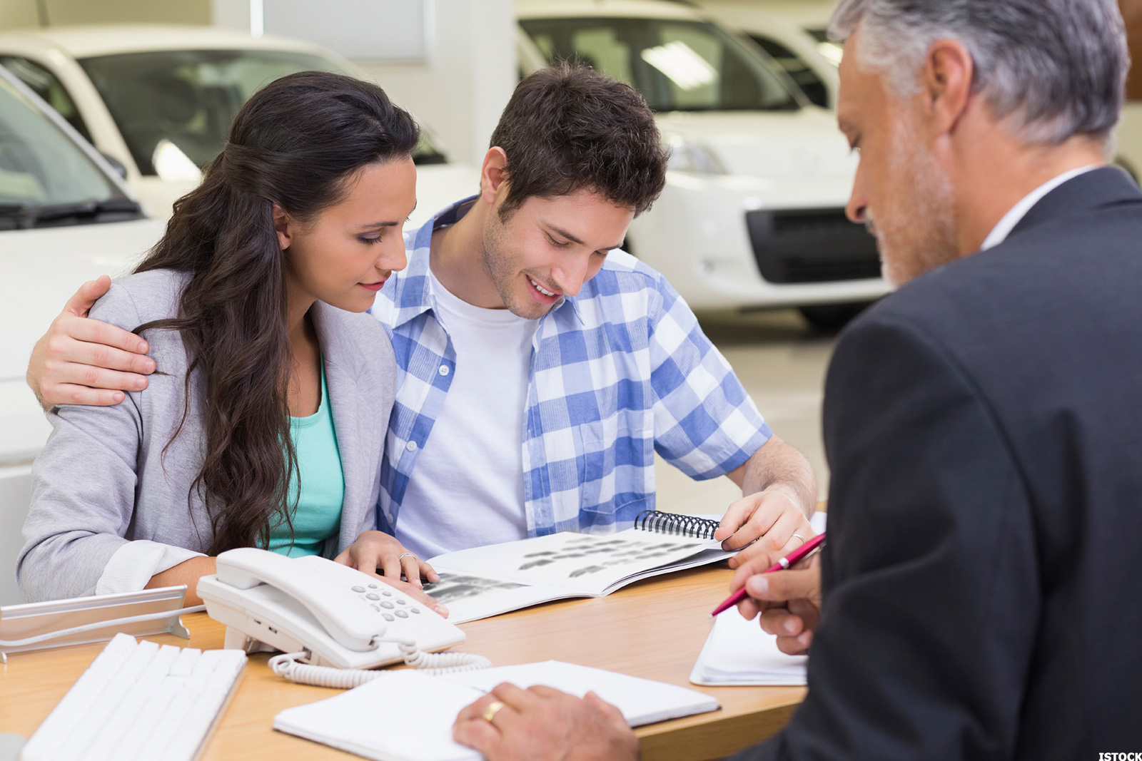 how to out negotiate an auto dealership salesperson every time thestreet. Black Bedroom Furniture Sets. Home Design Ideas