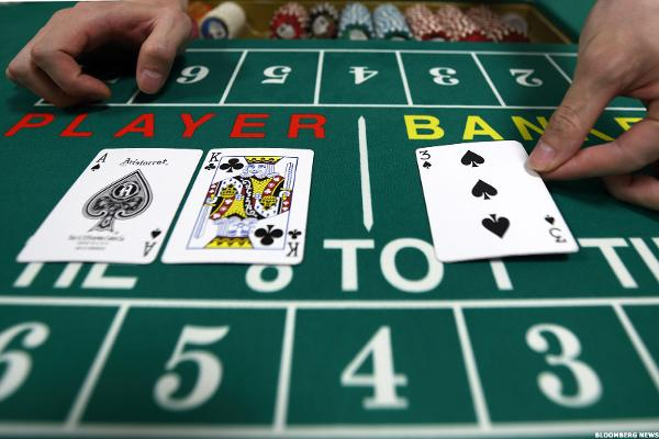Las Vegas Sands and Wynn Resorts Have Weak Hands