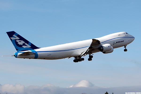 Boeing (BA) Stock Lower, Eyes $18 Billion Jet Deal