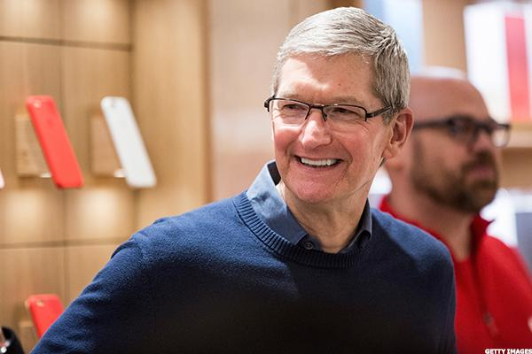 Nike Taps Apple CEO Tim Cook for Bigger Role