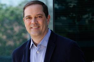 Cisco CEO Robbins Hopes to Convey the Value of Tech to Trump
