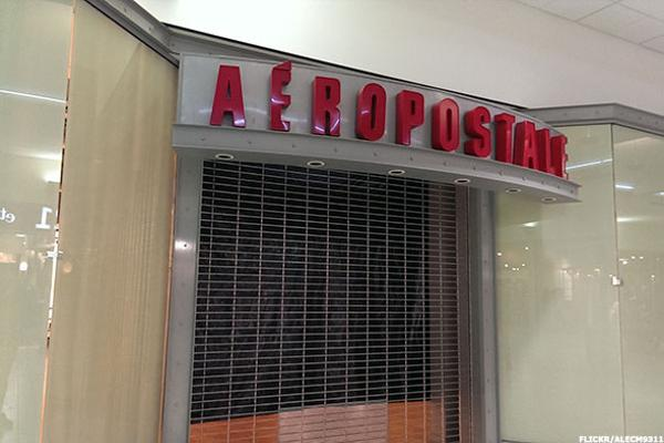 Aeropostale Gives Up on Trying to Be the Cool Place to Shop