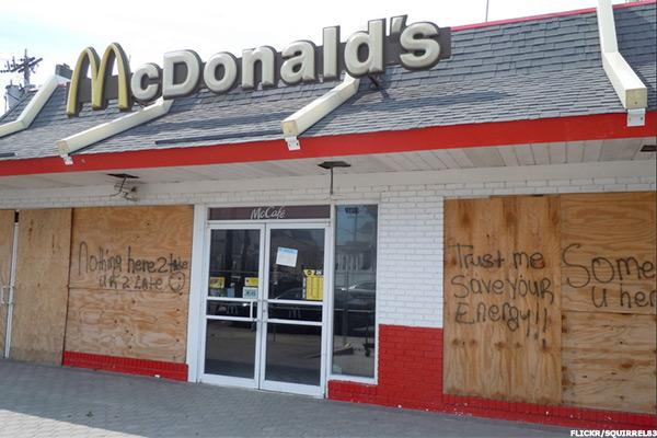 McDonald's to Close About 500 Restaurants in 2016