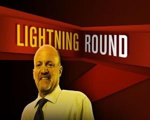 'Mad Money' Lightning Round: I'm a Wells Fargo Guy, Unlike Buffett