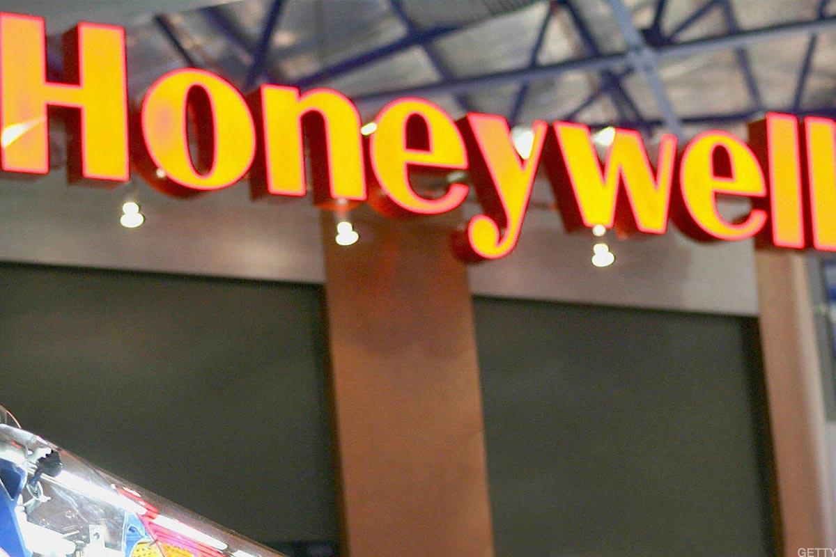Honeywell Rises on Earnings, Revenue Beat